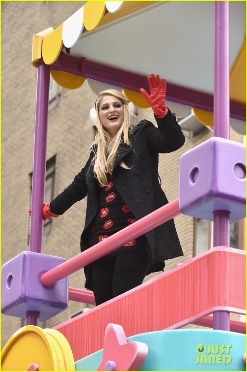 meghan-trainor-macys-thanksgiving-day-parade-09