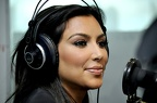 Kim-Kardashian-hots-up-the-Nova-studios-123559
