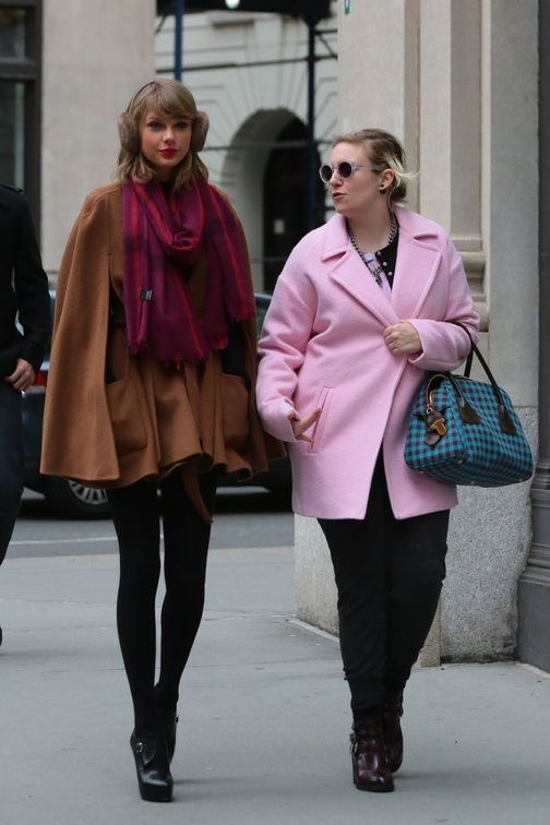 Taylor-Swift-and-Lena-Dunham-leaves-Bubbys-restaurant-in-Tribeca-New-York-December-20-2014