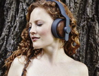 Solid-Wood-Over-Ear-Headphones-by-Grain-Audio-03
