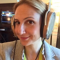 02-400-headphones-hi-fi-lauren-selfie-new