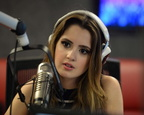 Laura-Marano -Visits-Radio-Station-Y-100-in-Fort-Lauderdale--15-662x530